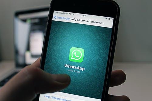 WhatsApp mag geen gegevens delen met Facebook